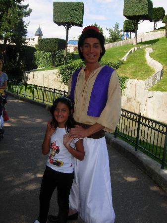 Disneyland Hotel : Michela con Aladino
