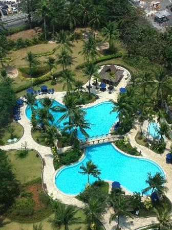 Shangri-La Hotel Jakarta: Hotel Pool