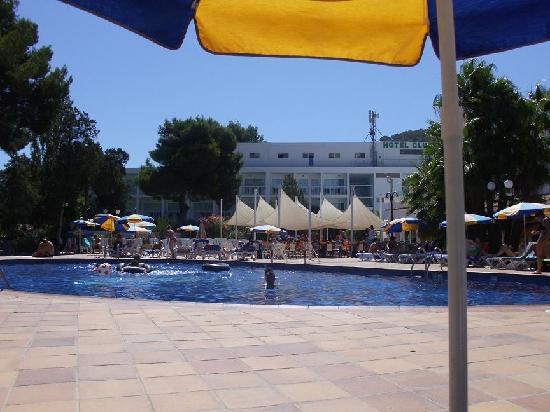Sirenis Hotel Club Siesta: Pool,Hotel,Snack Bar and Bar