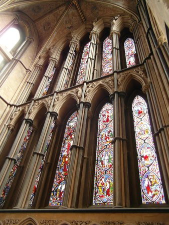 Worcester Cathedral: Stained glass