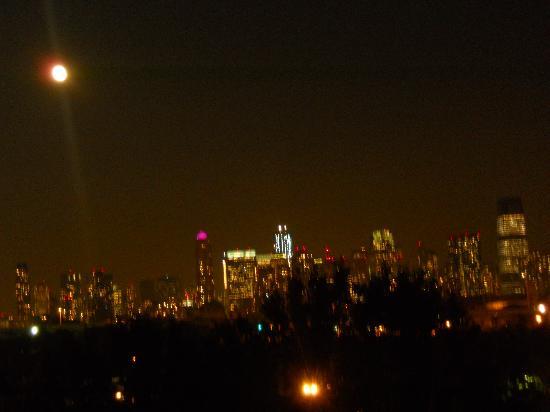 Jersey City Bed & Breakfast: quello che vedevo la notte dal balcone della mia camera