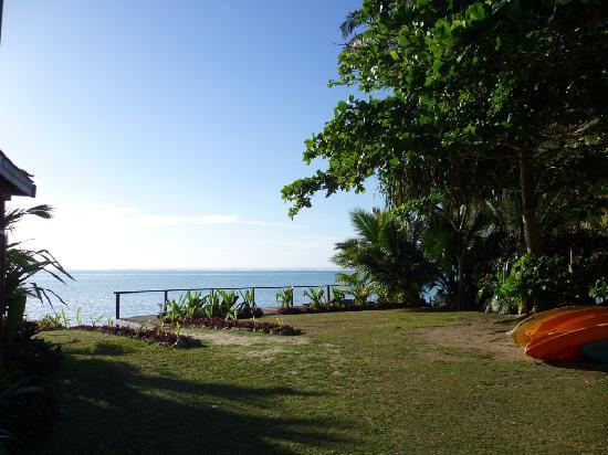 Muri Beach Resort: Beach Entrance