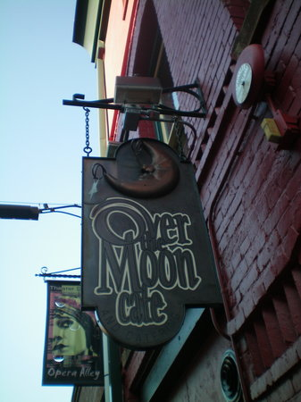 ‪Over the Moon Cafe‬
