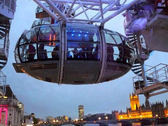 ลอนดอนอาย: london eye