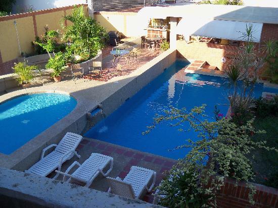 Residencias Miramar Suites: la pileta