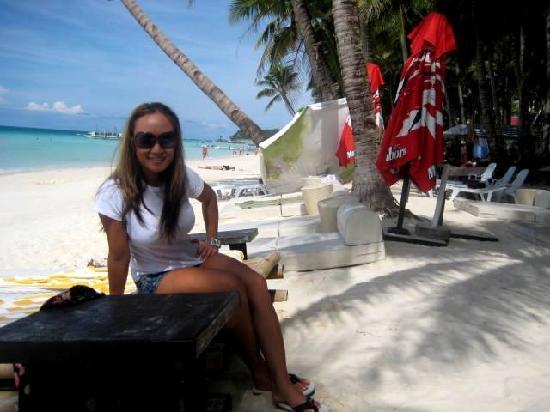 Boracay Beach Resort : Front of BBR