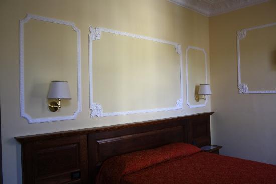 Hotel California Florence: Room