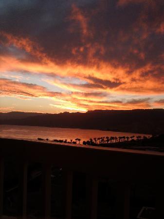 ฮิลตัน ทาบา รีสอร์ท แอนด์ เนลสัน วิลเลจ: Sunrise from our balcony