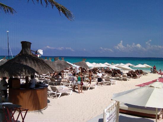 Kool Beach Club Chairs Left