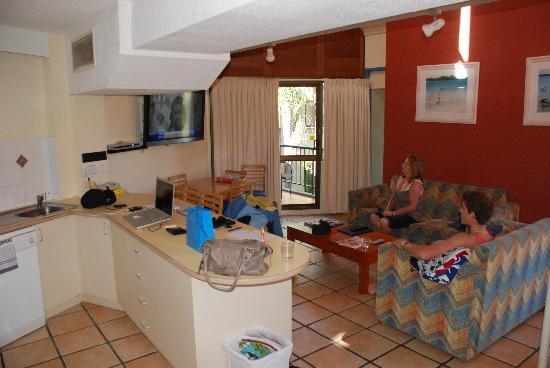 Ocean Breeze Resort: Kitchen