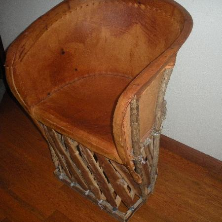Otra Vez: Living Room Chair