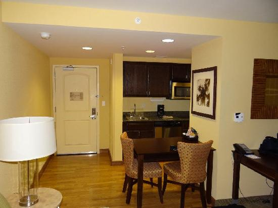 Homewood Suites West Palm Beach: Suite Entrance