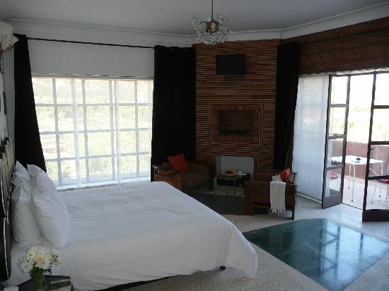 Domaine Malika: Airy room