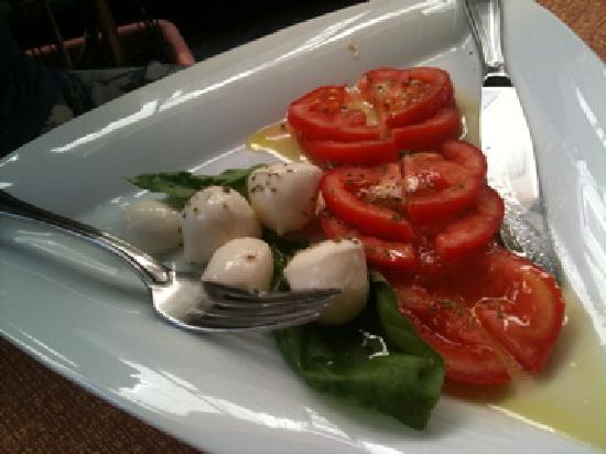 La Botte: Tomato and mozzarella Salad