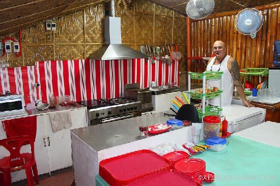 Alona Burger: Master Burger Maker in the Kitchen