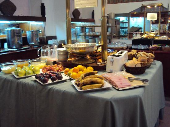 14.-Bs As Art Deco Hotel & Suites: el desayuno - Picture of Art Deco ...