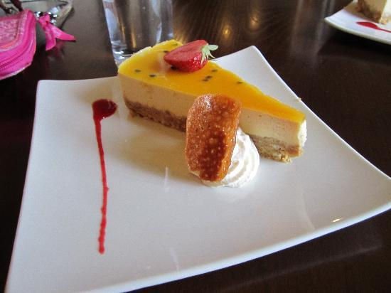 Ambassador Hotel & Health Club Cork: ..and then there was the cheesecake...
