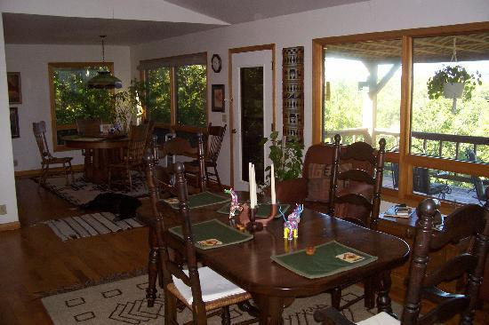Anderson Acres Bed and Breakfast : Dining Room