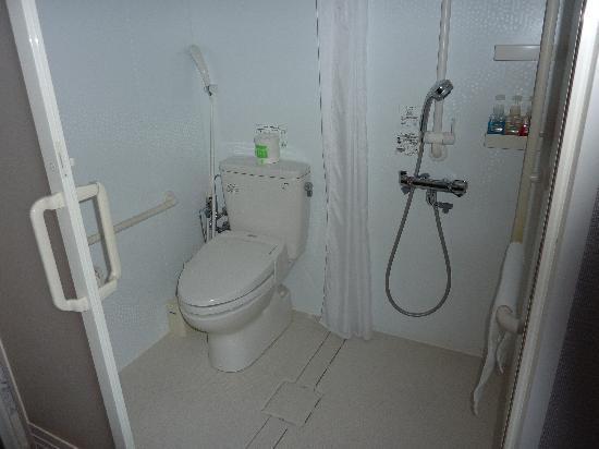 Vessel Inn Hiroshima-Ekimae : Disabled room bathroom