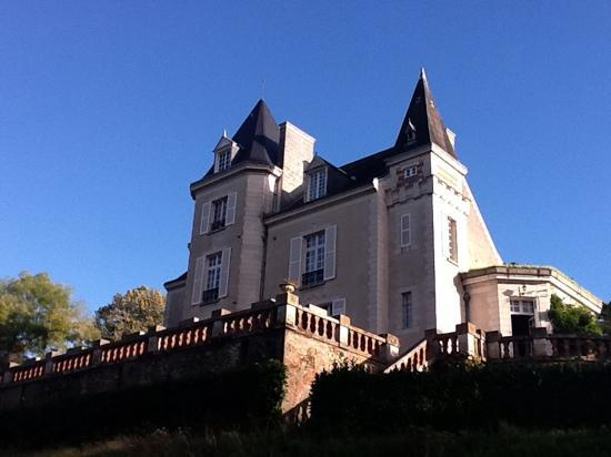 Chateau de la Villaine: Chateau De Villaine. Location of the best dinners in the Loire Valley!