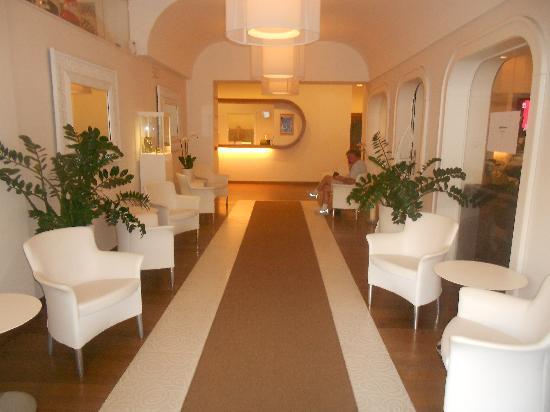 Hotel Plaza: The lobby