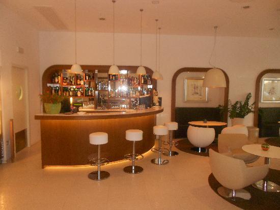 Hotel Plaza: The Bar