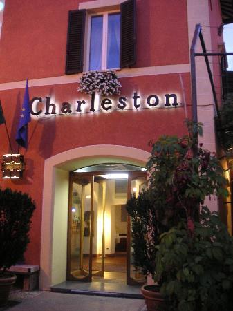โรงแรมชาเลสตัน: Albergo 1
