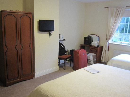 Robeen House: Room