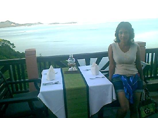 Samui Bayview Resort & Spa: NOTRE TABLE D ANNIVERSAIRE
