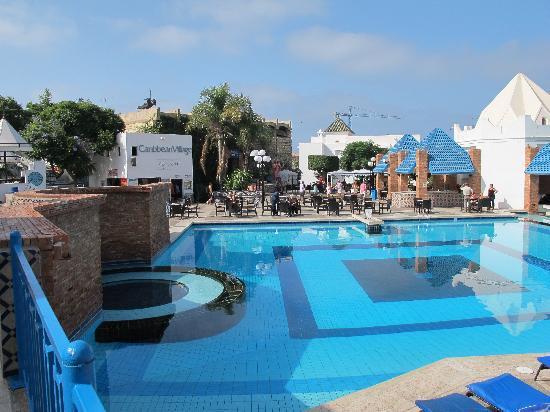 Caribbean Village Agador : Ambiance piscine