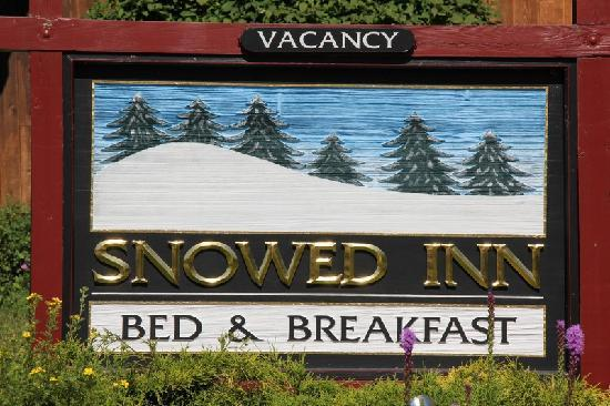 Snowed Inn: Vermont Tourist