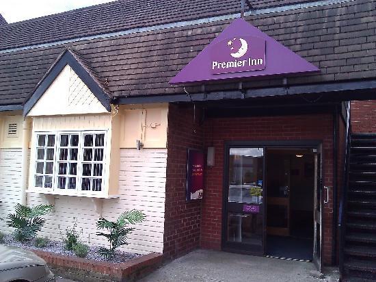 Premier Inn Wirral (Bromborough) Hotel: Arrivial