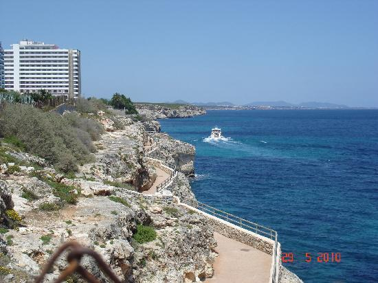 Palia Maria Eugenia Hotel: au pied de l'hotel