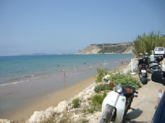 Thetis Hotel: The beach near to the hotel