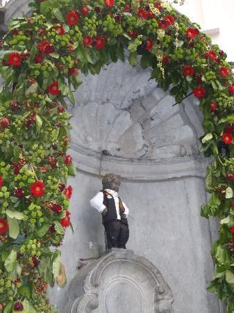 Manneken Pis Red Knights Belgium