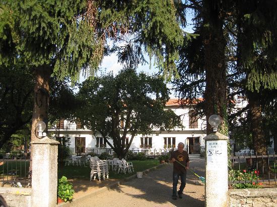 Hotel Maria Nella: garden
