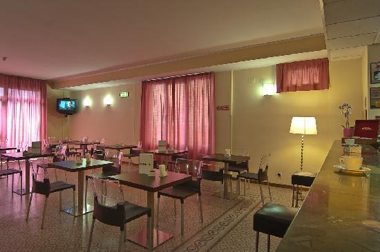 Diva Hotel: Bar