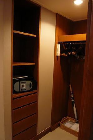 โรงแรมดุสิตธานี กรุงเทพ: walk in closet