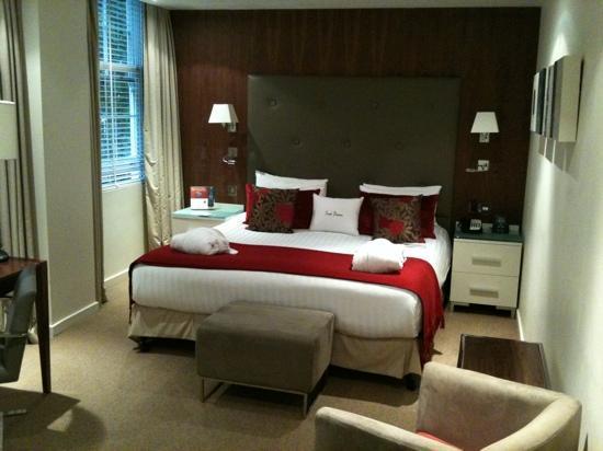 ดับเบื้ลทรี บาย ฮิลตัน - ลอนดอน เวสท์เอนด์: Stunning deluxe room- well worth a little extra although they upgraded me free!