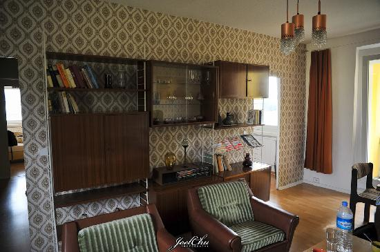 the living room bild von ostel berlin tripadvisor. Black Bedroom Furniture Sets. Home Design Ideas