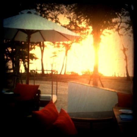 Holiday Inn Phuket Mai Khao Beach Resort: view from beach-side restaurant