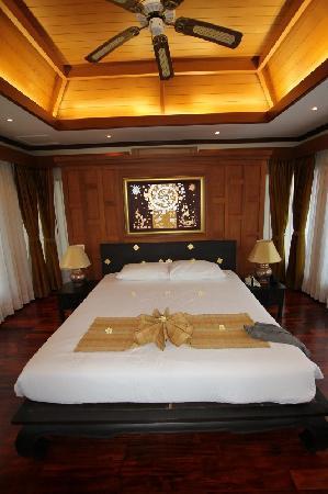 Q Signature Samui Beach Resort: Private Pool Villa Bedroom