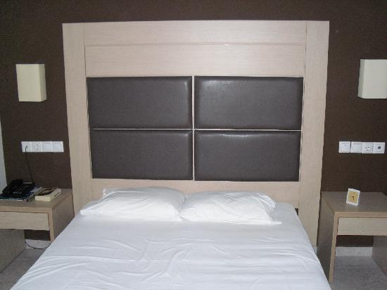 le lit meubles chambre tr s moderne photo de kipriotis