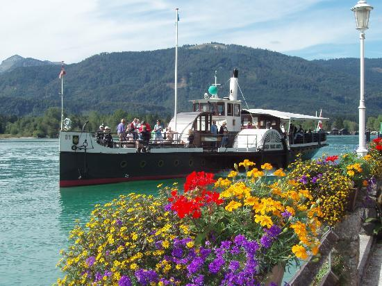 Hotel Furian am Wolfgangsee: Paddle Steamer