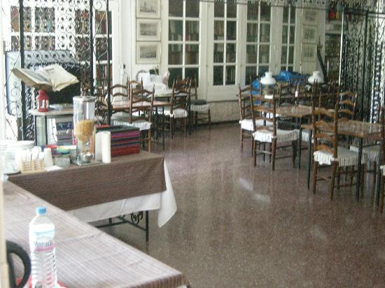 Hotel Nafsika: The breakfast