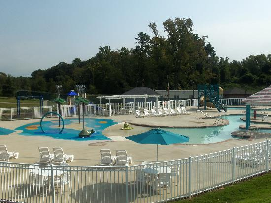 Bluegreen Parkside Williamsburg, Ascend Resort Collection: pool area