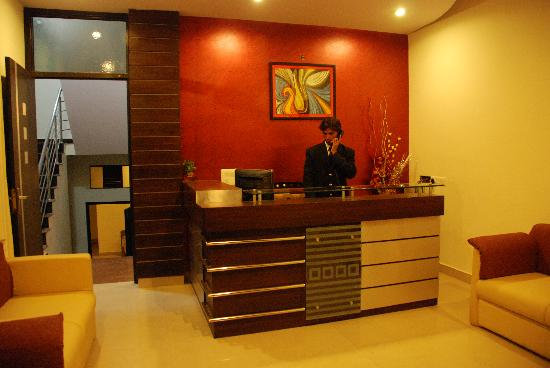 Classic 7 Hotel and Restaurant: reception&lobby