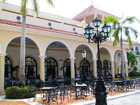 Hotel Riu Palace Mexico: Breakfast Patio