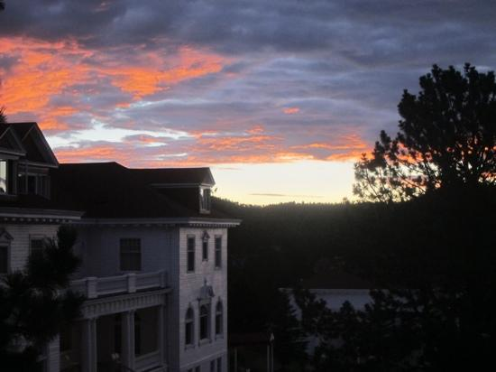 Stanley Hotel: Sunrise from our room
