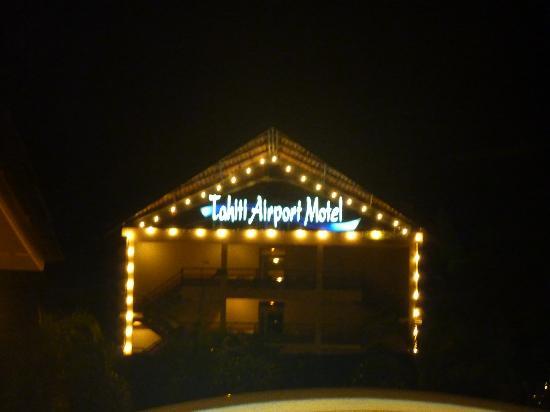 Tahiti Airport Motel: On ne peut pas le rater